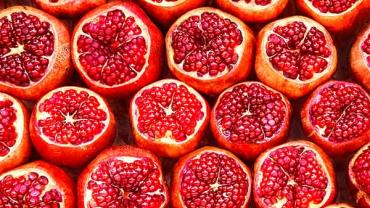 pomegranate-fruits-good-for-heart-health